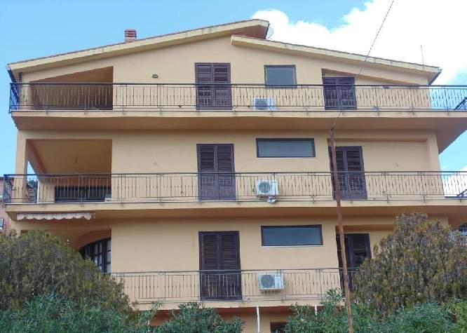 1969aqhq villa panoramica 3 piani vendo casa for Villa a 3 piani