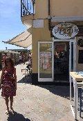 CHIOSCOBAR SUL MARE ALASSIO. 酒吧在海上ALASSIO. БАР НА МОРЕ АЛАСИО