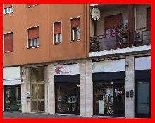 VENDITA IMMOBILE NEGOZIO LEGNANO (MILANO) !!!. 出售LEGNANO商店(米兰)的物业!. НЕДВИЖИМОСТЬ НА ПРОДАЖУ ЛЕГНАНО МАГАЗИН (МИЛАН) !!